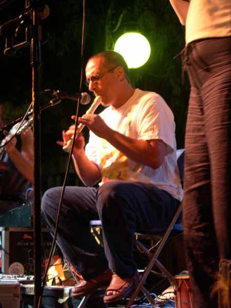 En Pep Toni de Música Nostra tocant al Port de Pollença!
